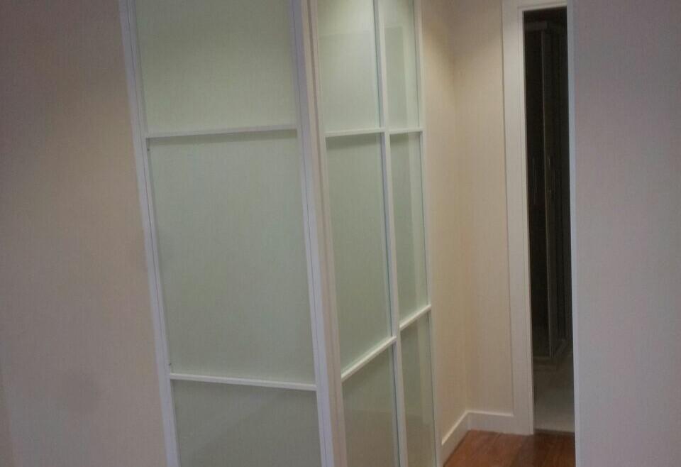 Puerta armario en esquina